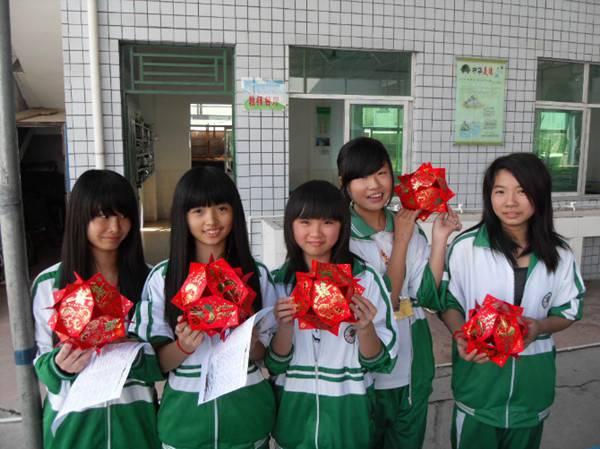 2011年11月25日至12月7日,清溪司法社工针对清溪银河学校的中学